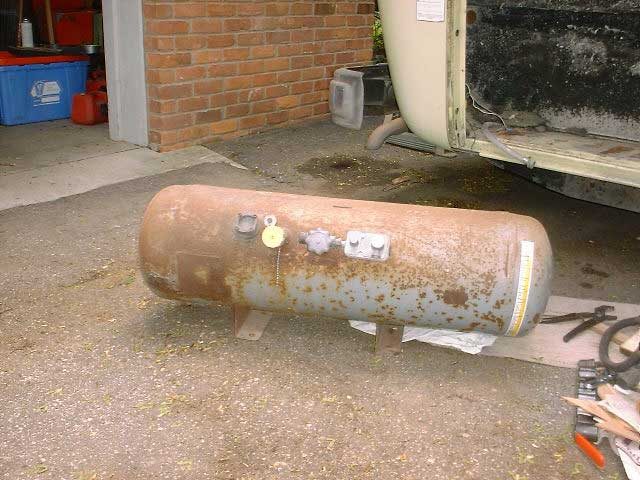 how to clean a rusty gas tank